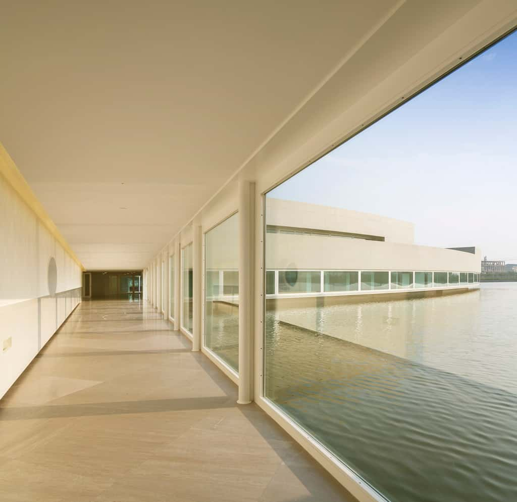 The-Building-on-the-Water---Álvaro-Siza-and-Carlos-Castanheira-29