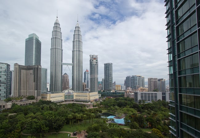 Petronas Towers, the World's Tallest Twin Towers by César