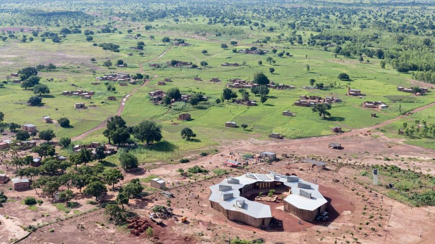 Ring shaped Lycee Schorge Secondary School Francis Kere Architecture Burkina Faso Archute 11