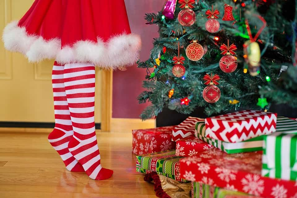 Picturs Of 2021 Decoratied Christmas Trees Best Real Feel Fake Christmas Tree To Consider In 2021 Archute